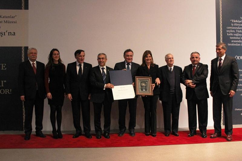 2. Geleneksel Türkiye'ye Değer Katanlar Ödülü - Oya Eczacıbaşı