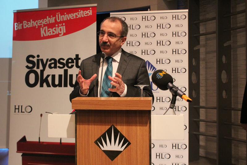 Bahçeşehir Üniversitesi Siyaset Okulu 9'un Açılışını Bakan Dinçer Yaptı